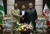 توسعه همکاریهای امنیتی بین سپاه و ارتش پاکستان برای مقابله با تروریستها
