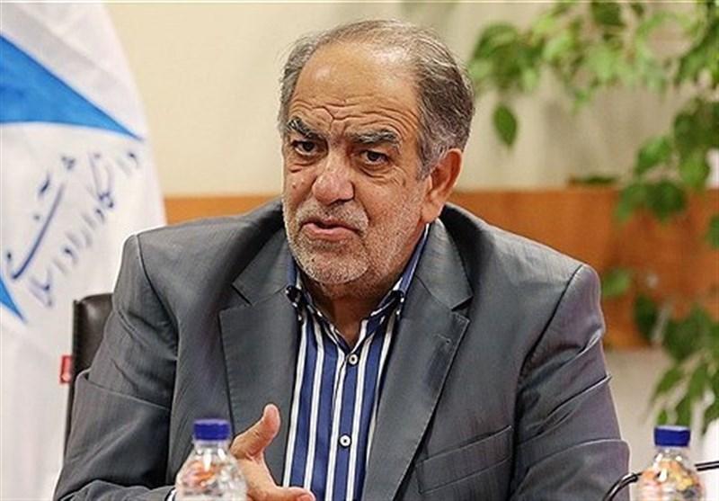 مشاور روحانی: بانک مرکزی مقصر نابسامانی ارزی است/ارزان نگه داشتن ارز ممکن نیست/کلاهبرداری با دلار دولتی
