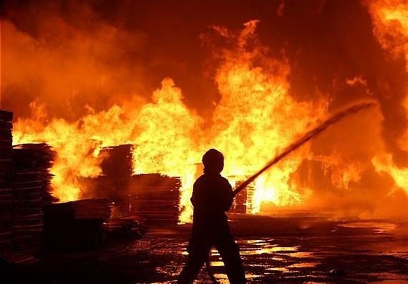 تهران| آتشسوزی گسترده یک انبار کالا در میدان حسنآباد/ اعزام 5 ایستگاه آتشنشانی به محل حادثه