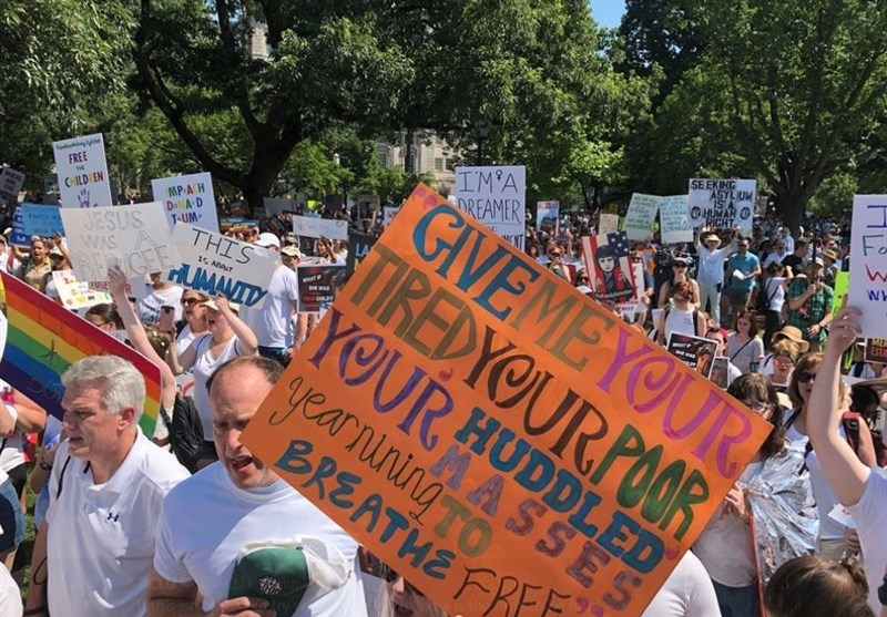 تظاهرات سراسری در آمریکا علیه سیاست مهاجرت ستیزانه ترامپ+فیلم و تصاویر