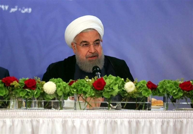 رئیس جمهور در جمع ایرانیان مقیم اتریش: ملت ایران در برابر زور و تحقیر تسلیم نمیشود/ تصور آمریکاییها غلط است