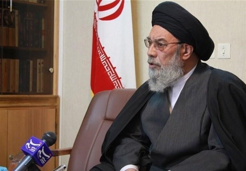 امام جمعه اصفهان: دستاوردها و پیشرفتهای نظام اسلامی برای مردم بازگو و تبیین شود