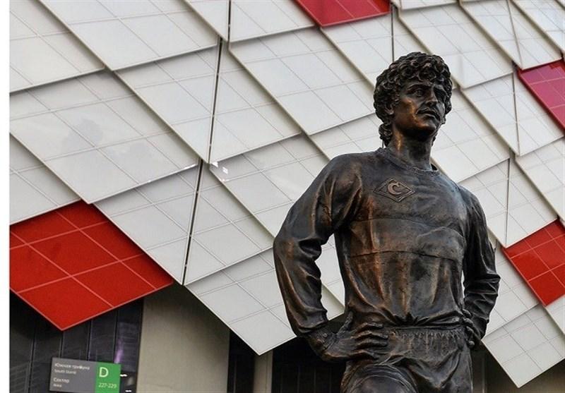 جام جهانی 2018  بازداشت یک هوادار به جرم حک نام انگلیس روی بنای یادبود چرنکوف + عکس