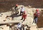 سقوط همزمان 2 کارگر از ارتفاع 14 متری + تصاویر