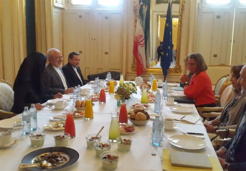 Iran's Zarif, EU's Mogherini Discuss JCPOA in Working Breakfast