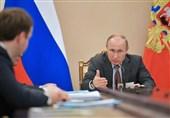 پوتین: مردم روسیه باید توسعه اقتصادی کشور را احساس کنند