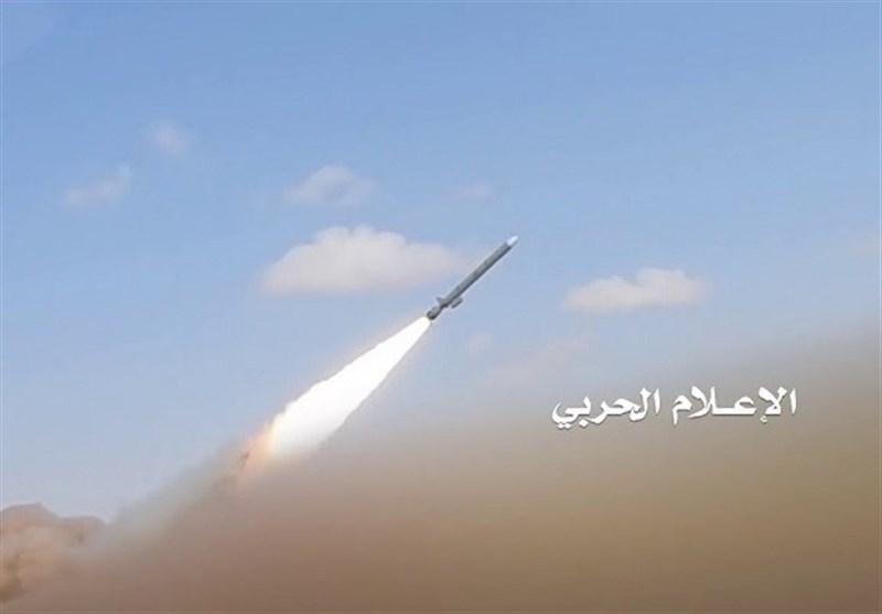 صاروخ بالستی وغارات بسلاح الجو المسیر على تجمعات العدوان فی الیمن