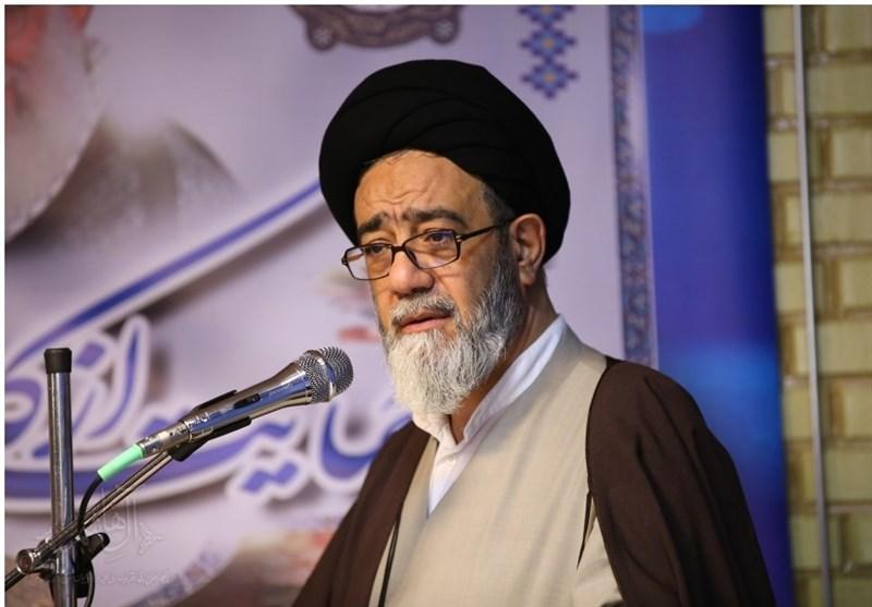 تبریز| آل هاشم: پیگیری مشکلات اقتصادی، بیکاری و بالا رفتن سن ازدواج در منابر مورد توجه قرار گیرد