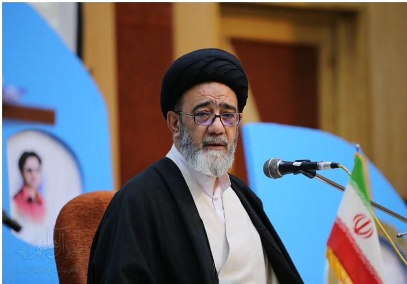تبریز| حجتالاسلام آلهاشم از ممنوعیت آموزش به دانشآموزان بازبان محلی انتقاد کرد