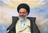 آیتالله حسینی بوشهری: دشمنان برای تخریب جامعه اسلامی از هیچ راهی دریغ نمیکند