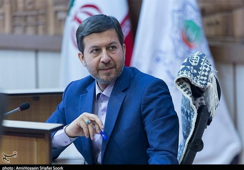 شهردار یزد حتی یک نفر را همراه خود از اصفهان نیاورد