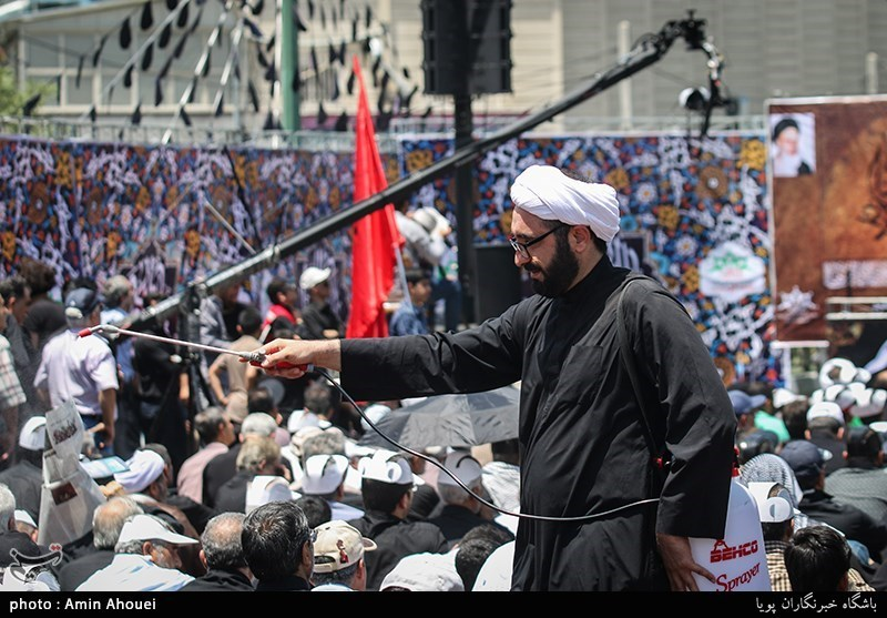 مراسم عزاداری سالروز شهادت امام جعفرصادق(ع) در میدان صادقیه تهران
