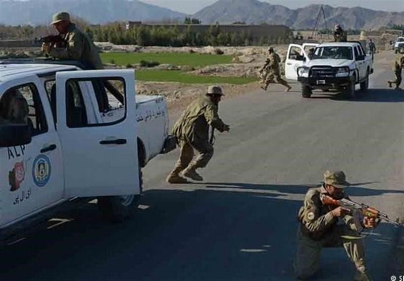همکاری با طالبان؛ دلیل درگیری بین نیروهای پلیس در مرکز افغانستان
