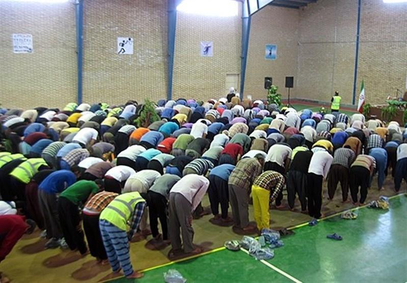 پاسخ 2 استفتای جدید از آیت الله خامنه ای/ آیا به رکوع رفتن نمازگزار پیش از امام جماعت اشکال دارد؟