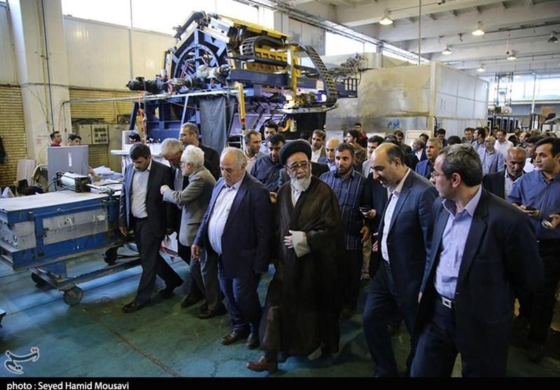 بازدید حجت الاسلام آل هاشم از خط تولید کارخانه تولید لوازم خانگی تبریز