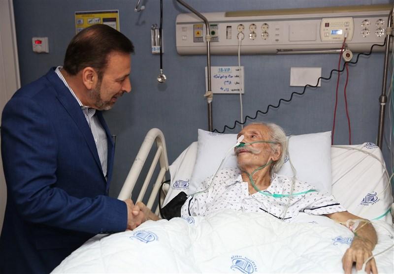 """عیادت واعظی از """"جمشید مشایخی"""" و """"دری"""" در بیمارستان + تصاویر"""