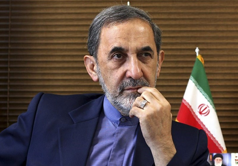 ولایتی : ایران تبحث مع روسیا والهند وترکیا والصین فی وقف التعامل التجاری بالدولار