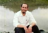 """نقاشی پرتره """"قهرمانِ شهید"""" به خانوادهاش اهدا شد +عکس"""