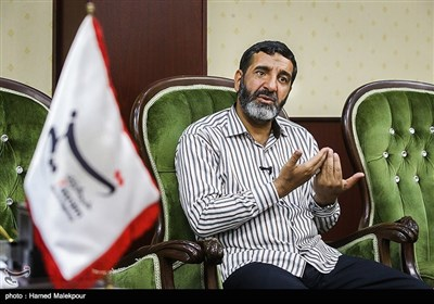 حضور حاج حسین یکتا مسئول بنیاد کرامت امام رضا(ع) در خبرگزاری تسنیم