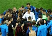 جام جهانی 2018 | جلسه هیئت دولت کرواسی با پیراهن تیم ملی + عکس