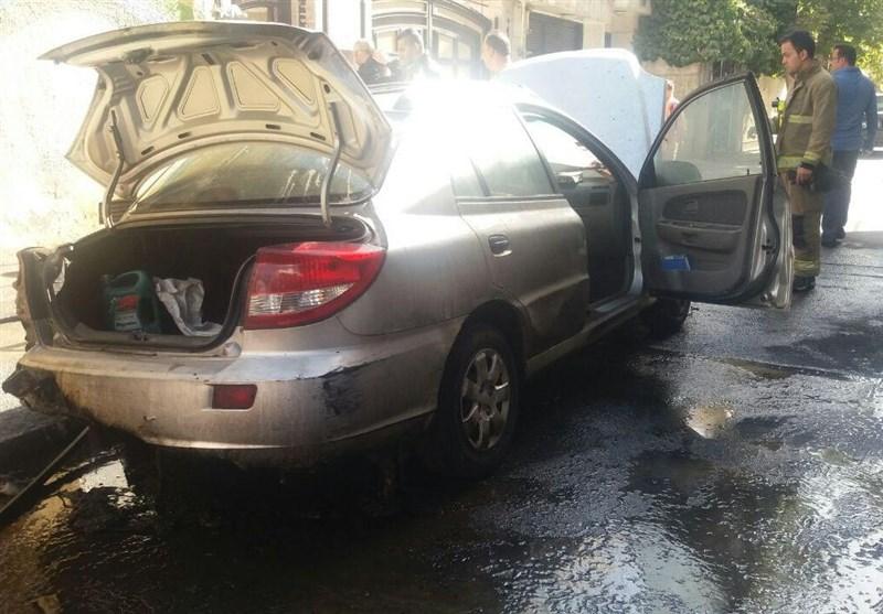 نشت گازوئیل یک اتومبیل را به کام آتش برد