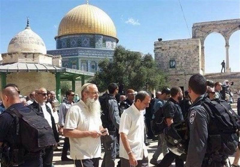قوات الاحتلال الصهیونی تقتحم المسجد الأقصى المبارک