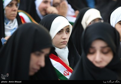 همایش دختران انقلاب در امامزاده صالح(ع) تجریش