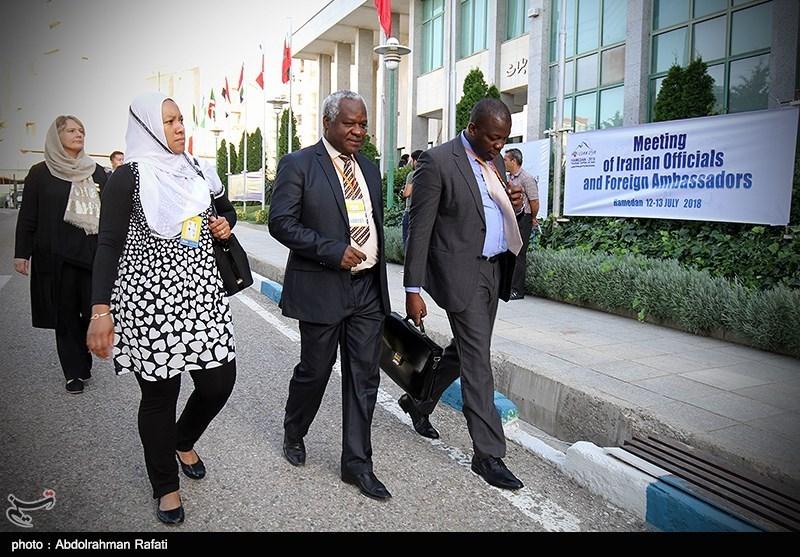 اجلاس مشترک مسئولان کشوری و سفرای خارجی مقیم ایران