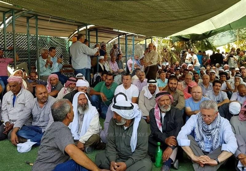 القضاء الإسرائیلی یأمر بهدم قریة الخان الأحمر بالقدس