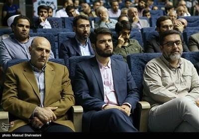 سید محمود رضوی و میثم مطیعی در رونمایی از کتاب (مربع های قرمز)خاطرات حاج حسین یکتا