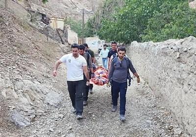 نجات زن جوان در ارتفاعات درکه + تصاویر