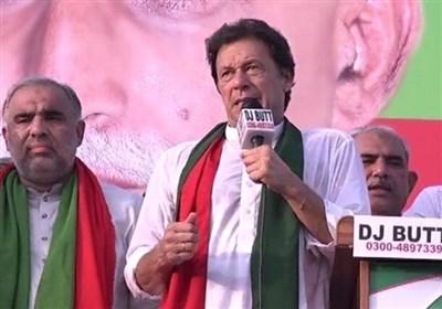 عمران خان: حکومت های حزب نواز و مردم رکورد فساد اقتصادی را زده اند