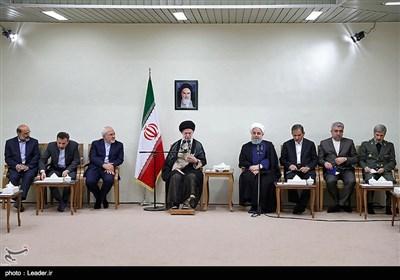 Ayetullah Hamanei: İran'ın Gücünü Göstermeliyiz