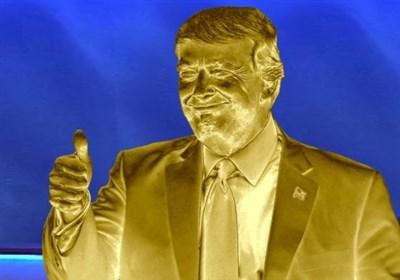 «ترامپ طلایی» در هلسینکی گدایی می کند+عکس