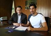آذری: استقلالیها به جای تبریزی به فکر دلیل جدایی بازیکنان و پاسخگویی به هوادارانشان باشند/مدیرعاملی که حرف از 2.5 میلیارد زده سرش را پایین بیندازد