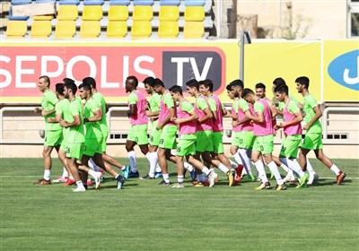 گزارش تمرین پرسپولیس| تبریک هوادران به بازیکنان به خاطر قهرمانی سوپر جام / حضور هوادار ژاپنی + عکس