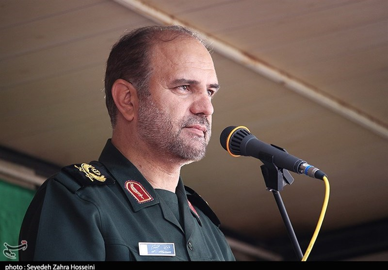 تاکید فرمانده سپاه عاشورا بر زنده نگه داشتن یاد و نام شهدا