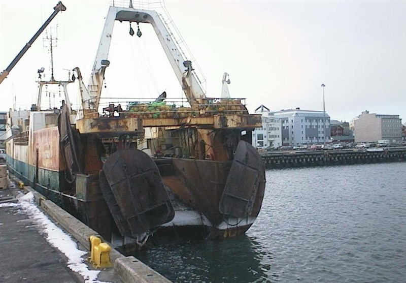 خوزستان|آلات لنگری در حوزه دریایی هندیجان نسل آبزیان را از بین برده است