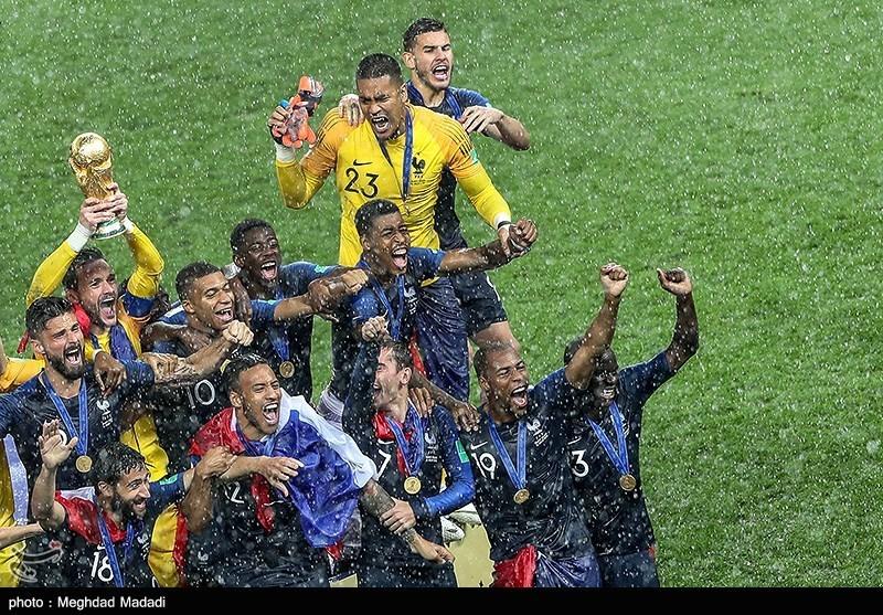 جوانترین و پیرترین هواداران جام جهانی 2018