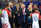 جام جهانی 2018| روایتهای متفاوت از مدالی که در جیب یکی مسئولان فیفا رفت + عکس