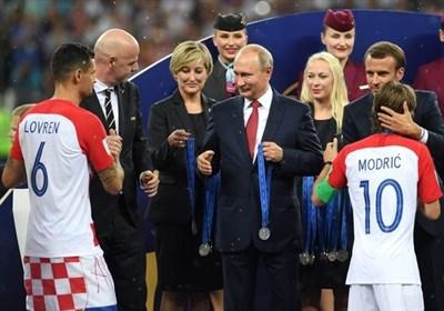 جام جهانی 2018| روایت های متفاوت از مدالی که در جیب یکی مسئولان فیفا رفت + عکس