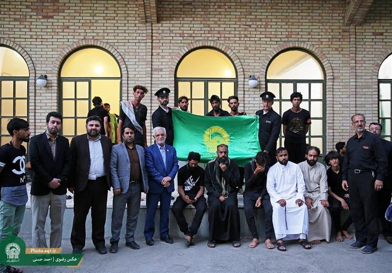دلجویی خدام رضوی از زائران حادثه دیده عراقی در مشهد