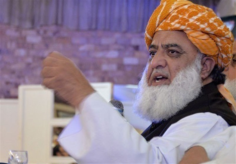 انتقاد فضل الرحمان از عدم همراهی حزب نواز و حزب مردم در اعتصاب علیه دولت پاکستان