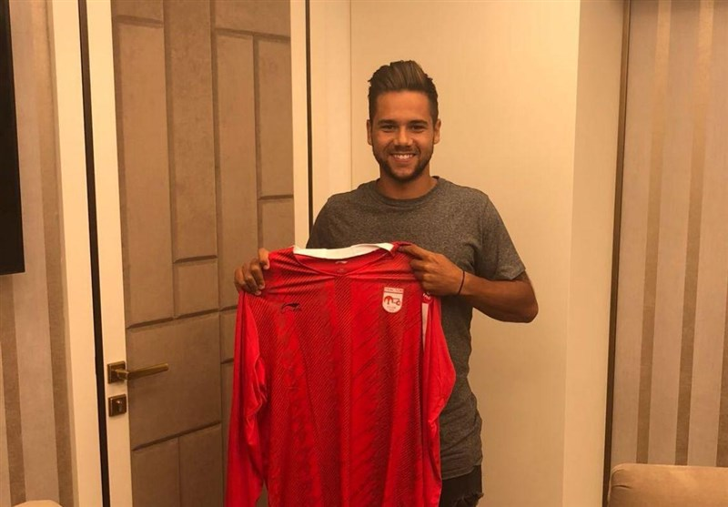 Iran's Tractor Sazi Signs Two New Players