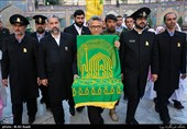 """آیین تعویض پرچم گنبد امامزاده صالح(ع) با حضور کاروان """"زیر سایه خورشید"""""""