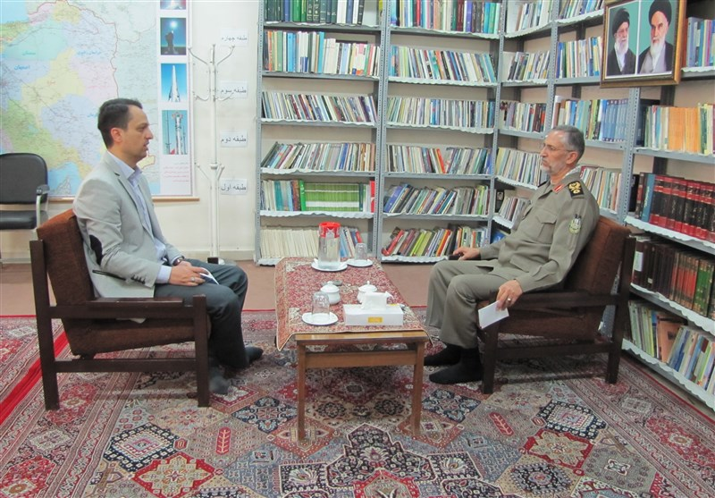 اللواء شیرازی فی حوار خاص مع تسنیم: تغییر قائد الحرس الثوری لایعدو کونه مجرد إشاعة