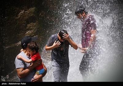 ہمدان؛ شدید گرمی کے سبب عوام کا رخ آبشاروں کی جانب