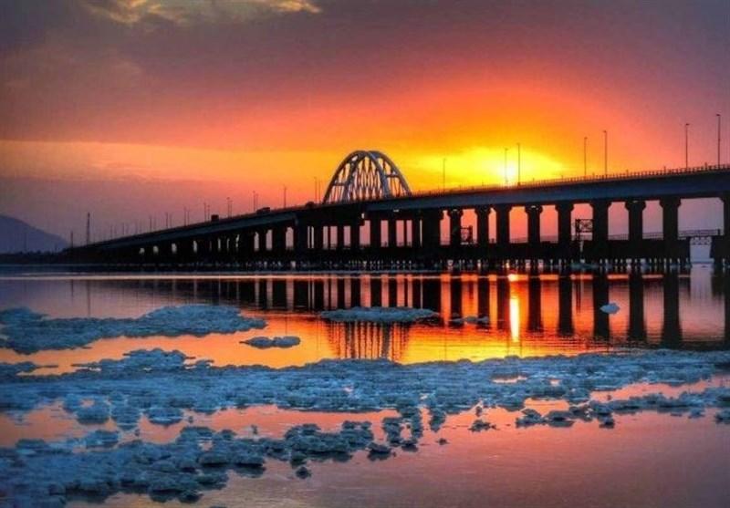برقرسانی میانگذر دریاچه ارومیه شهریور ماه به پایان میرسد