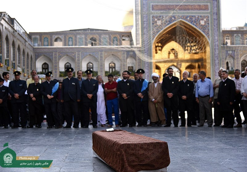 پیکر آیتالله مرتضی تهرانی در حرم مطهر رضوی تشییع شد