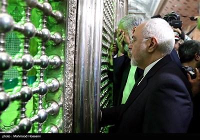 تجدید میثاق ظریف وزیر امور خارجه ، سفرا و روسای نمایندگی های ایران در جهان با آرمان های امام خمینی (ره)
